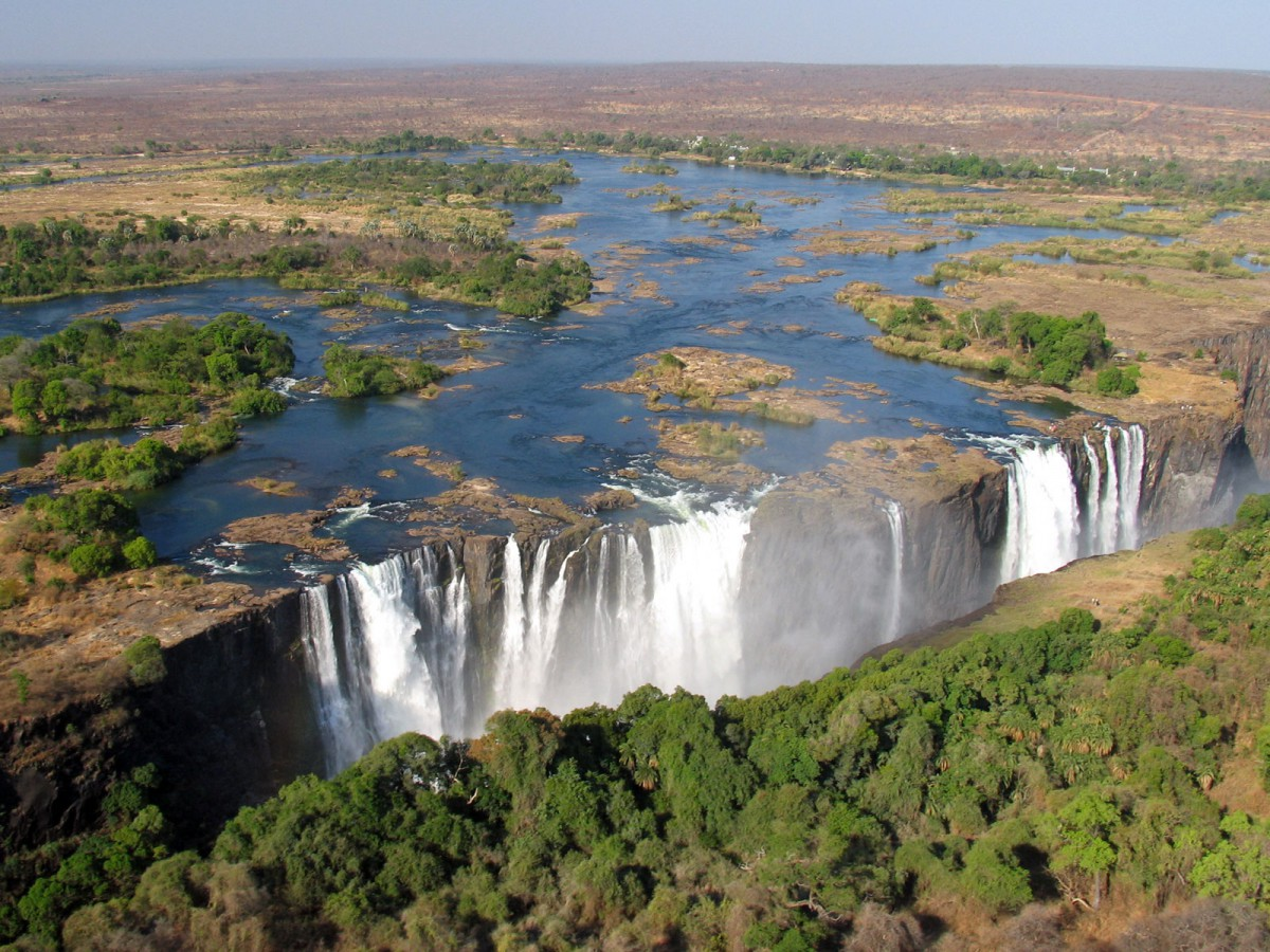 Vue aerienne Chutes Victoria Zimbabwe Zambie vol helicoptere